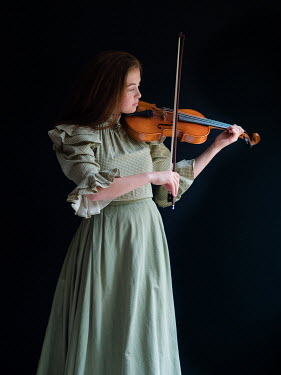 Elisabeth Ansley HISTORICAL WOMAN PLAYING VIOLIN Women
