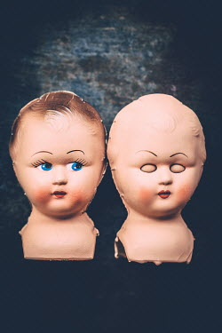 Des Panteva Baby doll heads floating Miscellaneous Objects