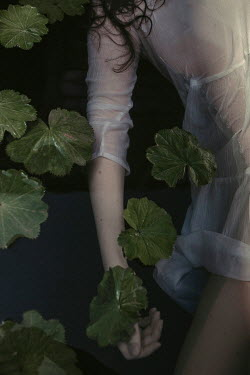Shelley Richmond FEMALE BODY IN WATER Women