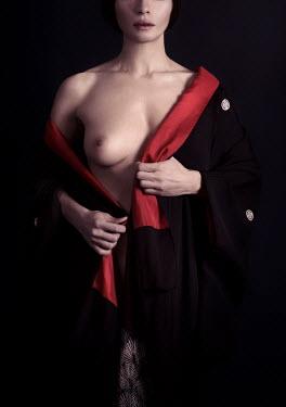 Alex Maxim WOMAN TAKING OF KIMONO Women