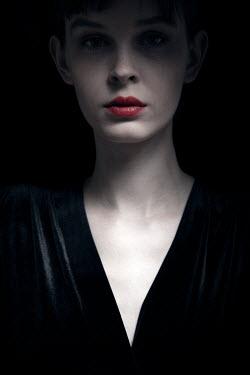 Miguel Sobreira Young woman in shadow Men