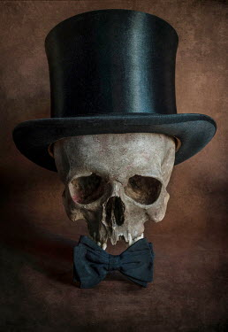 Jaroslaw Blaminsky SKULL WITH TOP HAT AND BOW TIE Miscellaneous Objects
