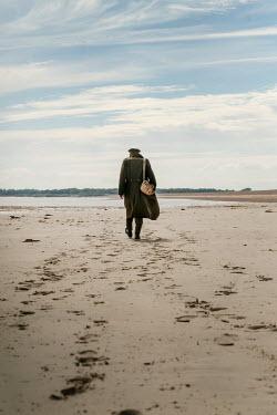 CollaborationJS WW2 SOLDIER WALKING ON SANDY BEACH Men