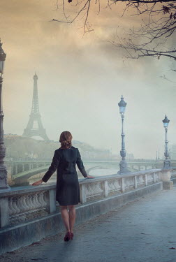 Drunaa Woman in Paris