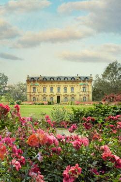 Drunaa Mansion in rose garden