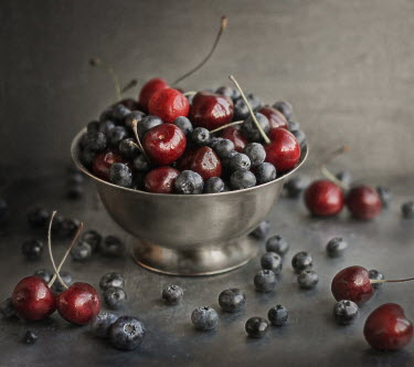 Andreeva Svoboda Bowl of cherries and blueberries