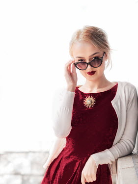 Elisabeth Ansley BLONDE GIRL WITH SUNGLASSES AND RED LIPSTICK Women
