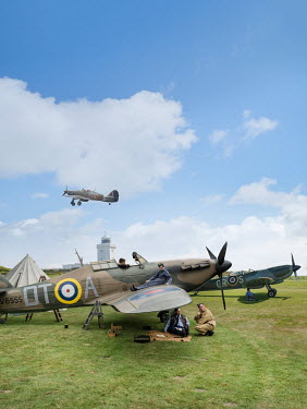 Stephen Mulcahey WARTIME PLANES AND AIRMEN OUTDOORS Groups/Crowds