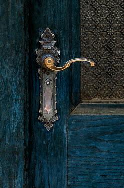 Jaroslaw Blaminsky CLOSE UP OF ORNATE DOOR HANDLE Building Detail