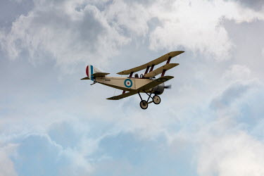 CollaborationJS HISTORICAL BRITISH BI-PLANE IN SKY Miscellaneous Transport