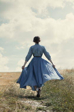 Magdalena Russocka woman walking in field