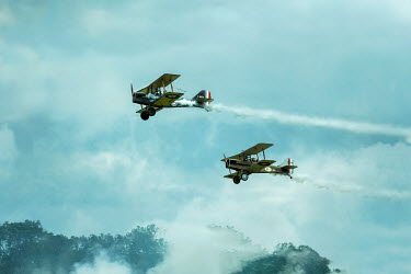 CollaborationJS HISTORICAL WARTIME PLANES WITH SMOKE IN SKY Miscellaneous Transport