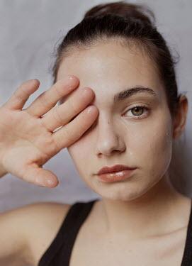 Elisa Paci Young woman crying