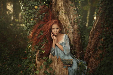 Magdalena Kolakowska GIRL WITH RED HAIR IN TREE WITH BOOK Children