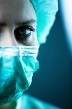 Magdalena Russocka Close up of female surgeon in surgical mask