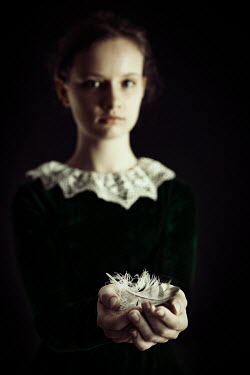 Natasza Fiedotjew Victorian girl holding feathers