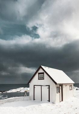Evelina Kremsdorf White cabin in snow
