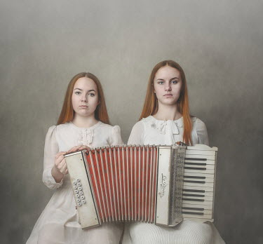 Anna Buczek Teenage girls in white dresses with piano accordion