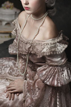 Beata Banach HISTORICAL WOMAN WITH BARE SHOULDERS AND PEARLS Women