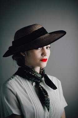Ildiko Neer Retro woman in straw hat