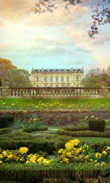 Drunaa Mansion in garden