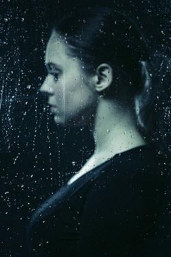 Magdalena Russocka woman behing wet glass