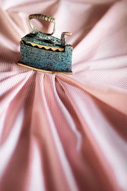 Maria Petkova MINIATURE STEAM IRON PRESSING PINK FABRIC Miscellaneous Objects