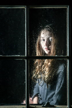 Stephen Carroll SAD GIRL WATCHING FROM WINDOW AT NIGHT Children