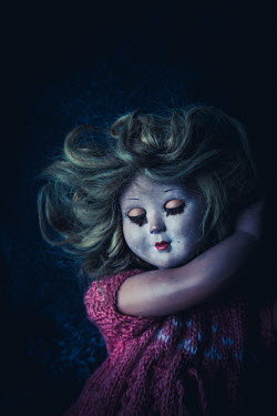 Des Panteva OLD SPOOKY DOLL WITH BLONDE HAIR Miscellaneous Objects