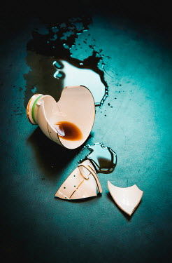 Jane Morley BROKEN CUP WITH SPILT TEA Miscellaneous Objects