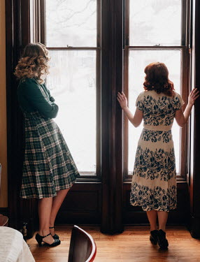 Elisabeth Ansley TWO RETRO WOMEN WATCHING AT WINDOW Women