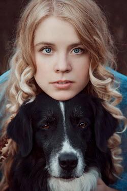 Nathalie Seiferth Young woman and dog
