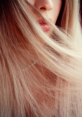 Ebru Sidar Close up of young woman with blond hair