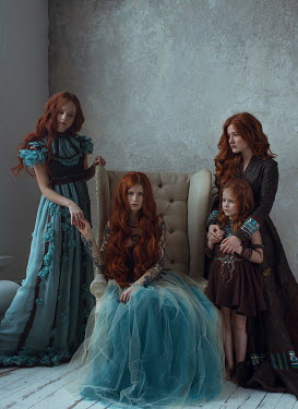 Irina Orwald FOUR GIRLS WITH RED HAIR INDOORS Groups/Crowds