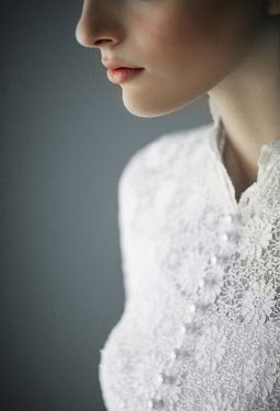 Nikaa CLOSE UP OF BRIDE IN WHITE LACE Women