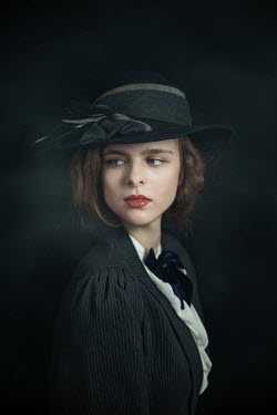 Natasza Fiedotjew Young elegant woman in vintage outfit