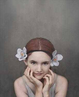 Anna Buczek Girl with flowers on headband