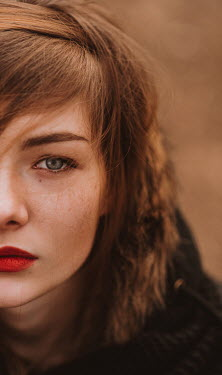 Muna Nazak Close up of young woman Women