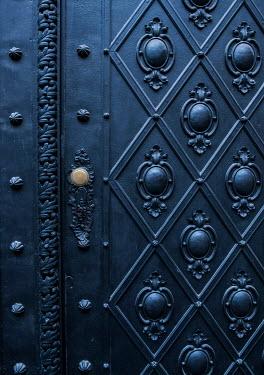 Jaroslaw Blaminsky Black door