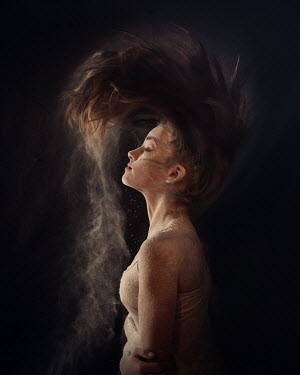 Viktoria Haack WOMAN SHAKING HAIR WITH SAND Women