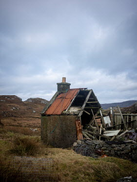 David Baker DERELICT HUT IN MOORLAND LANDSCAPE Houses