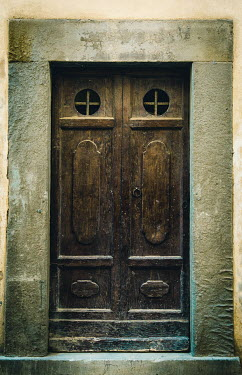 Joanna Czogala Brown door in San Quirco d'Orcia, Italy