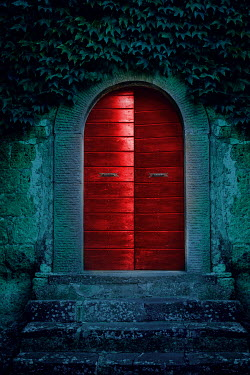 Joanna Czogala Red door in San Quirco d'Orcia, Italy