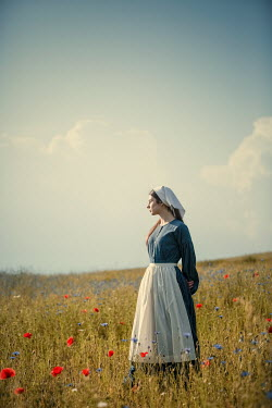 Magdalena Russocka HISTORICAL MAID STANDING IN POPPY FIELD Women