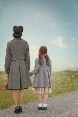 Joanna Czogala RETRO MOTHER AND DAUGHTER ON COUNTRY LANE Children