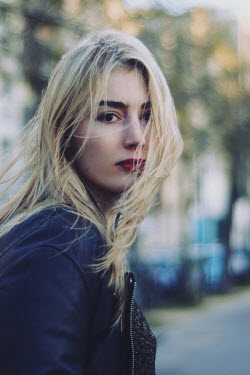 Anna Rakhvalova BLONDE WOMAN WITH LEATHER JACKET IN STREET Women