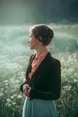 Natasza Fiedotjew Historical woman in garden