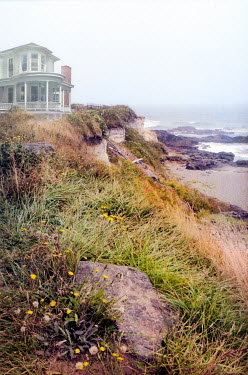 Jill Battaglia House by beach