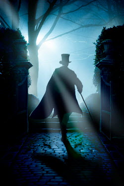 Lee Avison VICTORIAN MAN WALKING ON PATH AT NIGHT Men
