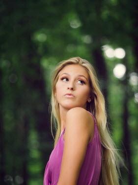 Elisabeth Ansley BLONDE GIRL LOOKING OVER SHOULDER OUTDOORS Women
